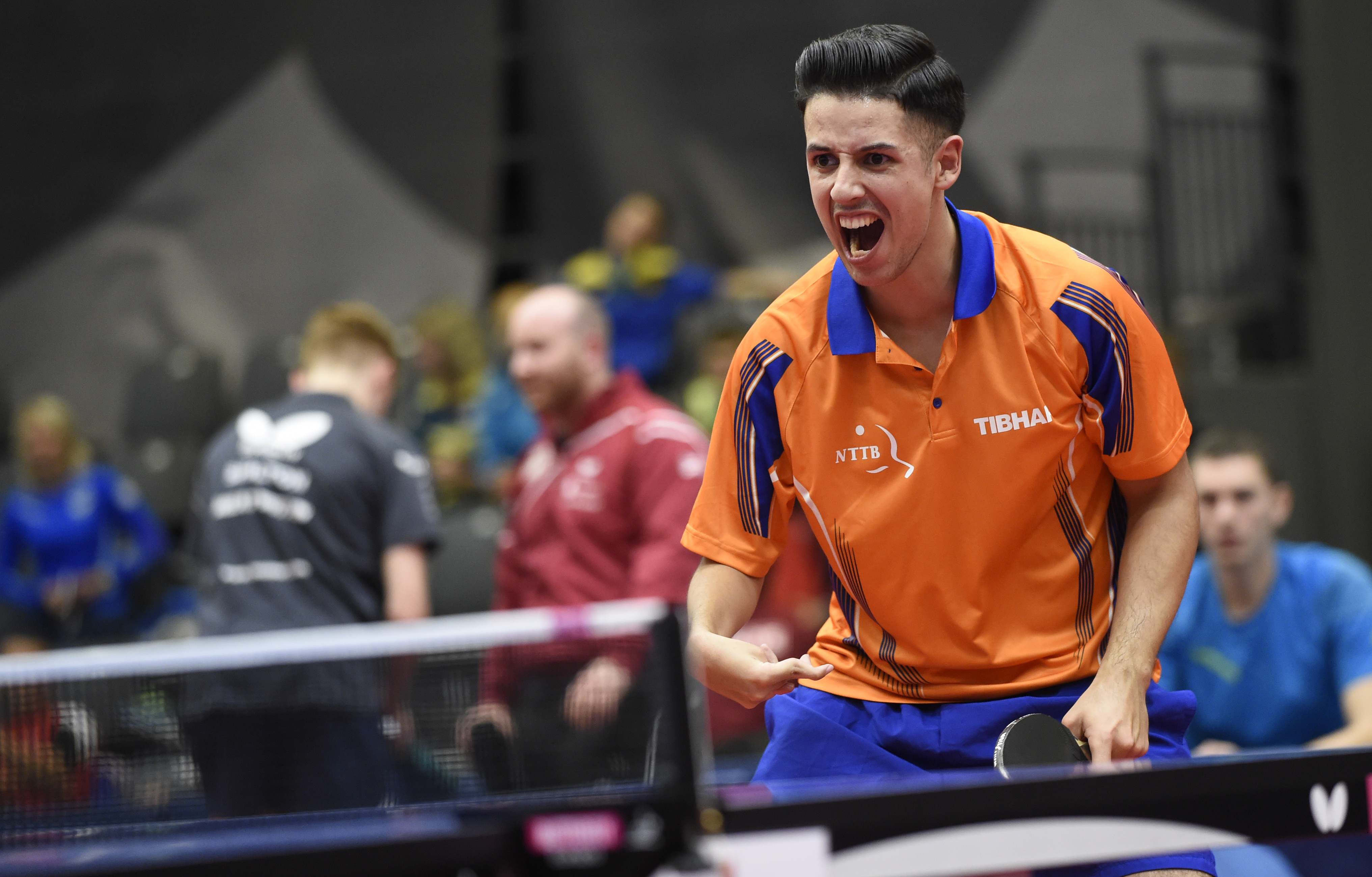 Tsjizjov voor de eerste keer europees kampioen.